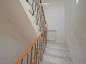 Image No.2-Maison de campagne de 3 chambres à vendre à Scerni