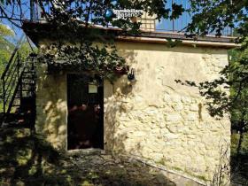 Image No.2-Maison de campagne de 2 chambres à vendre à Agnone