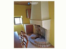 Image No.4-Maison de campagne de 2 chambres à vendre à Agnone