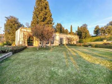 1 - Florence, Villa