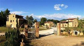 Image No.1-Propriété de 12 chambres à vendre à Volterra