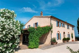 Image No.1-13 Bed Farmhouse for sale