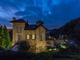 Image No.1-Villa de 4 chambres à vendre à Como
