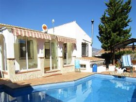Image No.0-Villa de 3 chambres à vendre à Los Romanes