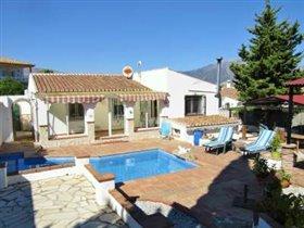 Image No.1-Villa de 3 chambres à vendre à Los Romanes