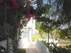 Image No.1-Villa de 4 chambres à vendre à Benajarafe