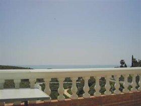 Image No.2-Villa de 4 chambres à vendre à Benajarafe