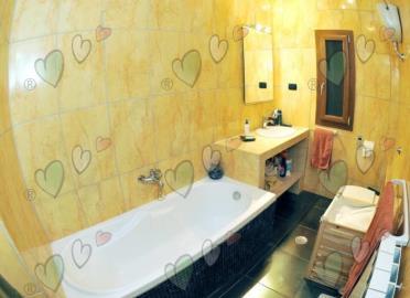 Bathroom-with-a-Tub