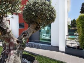 Image No.3-Villa de 4 chambres à vendre à Almada