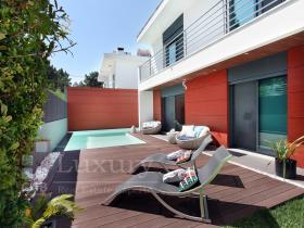 Image No.0-Villa de 4 chambres à vendre à Almada