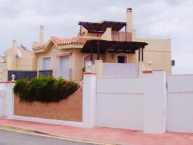 Image No.0-Villa / Détaché de 3 chambres à vendre à Riviera del Sol