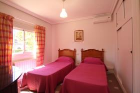 Image No.16-5 Bed Villa / Detached for sale