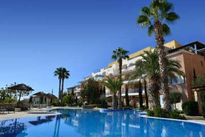 Aphrodite-Springs---Swimming-Pool-Area