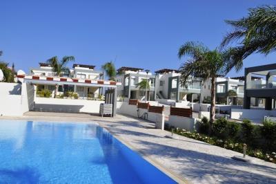 Faros-Luxury-Apartments-Communal-Pool