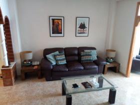 Image No.2-Maison de ville de 3 chambres à vendre à Montaverner