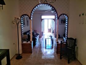 Image No.1-Maison de ville de 3 chambres à vendre à Montaverner