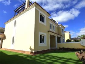Image No.0-Villa de 3 chambres à vendre à Corralejo