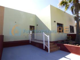 Image No.2-Villa de 2 chambres à vendre à Corralejo