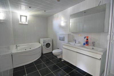 bathrooms--2-