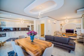 Image No.0-Penthouse de 7 chambres à vendre à Mahmutlar