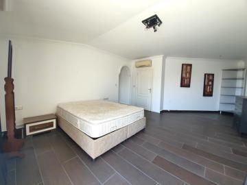 upper-floor-bedroom--2-