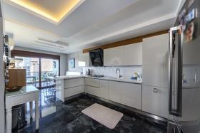 Image No.4-Appartement de 5 chambres à vendre à Cikcilli