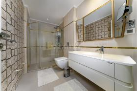 Image No.14-Appartement de 5 chambres à vendre à Cikcilli