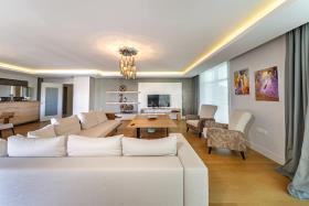 Image No.3-Appartement de 5 chambres à vendre à Cikcilli
