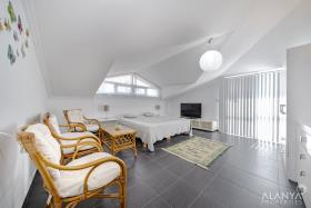 Image No.4-4 Bed Penthouse for sale