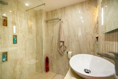 Pink-Room-Bathroom