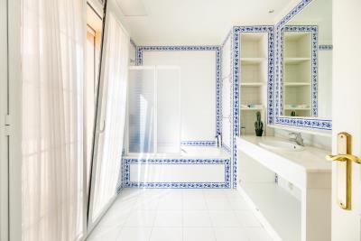 Bathroom-Suite-5