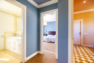 Suite-1-entrance