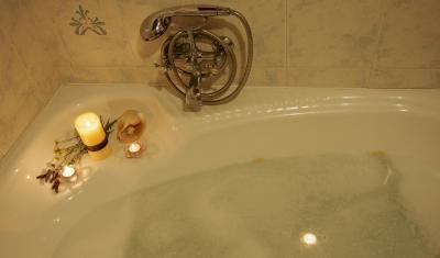 Website_photos_0011_Master-Bathroom3