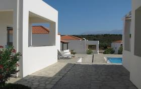 Image No.9-Maison de 2 chambres à vendre à Chorafakia