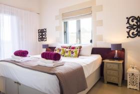 Image No.3-Villa de 5 chambres à vendre à Gavalohori