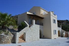 Image No.0-Villa de 3 chambres à vendre à Kambia