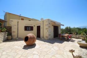 Image No.0-Maison de 2 chambres à vendre à Drapanos