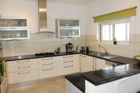 Image No.12-Villa de 4 chambres à vendre à Plaka