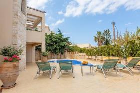 Image No.0-Villa de 5 chambres à vendre à Rethymnon
