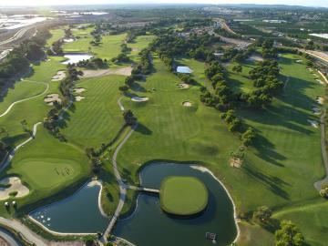 Lo-Romero-Golf-1