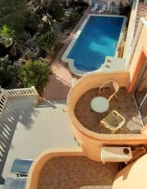View-of-pool-from-above