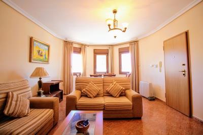 Stunning-3-Bedroom-2-Bath-Los-Altos-Detached-Villa_04