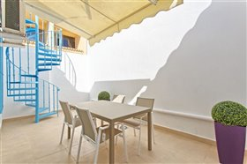 Image No.10-2 Bed Townhouse for sale