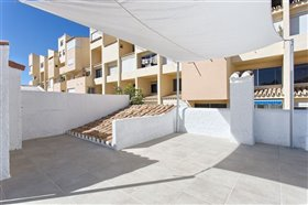Image No.11-2 Bed Townhouse for sale