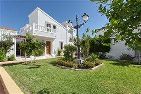 Image No.7-2 Bed Townhouse for sale