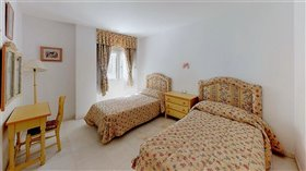 Image No.8-5 Bed Apartment for sale