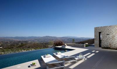 Minthis_photo_Artemis_pool-area---views