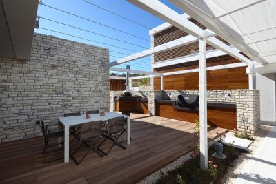 Minthis_photo_Electra_BBQ-area