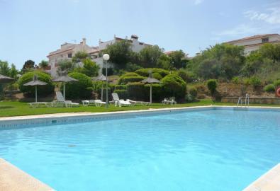 pool-1080x738