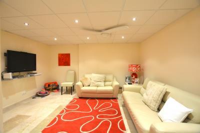 13-La-Viz-B13-H4-TV-Room